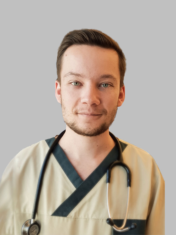 dr. Finta Ádám